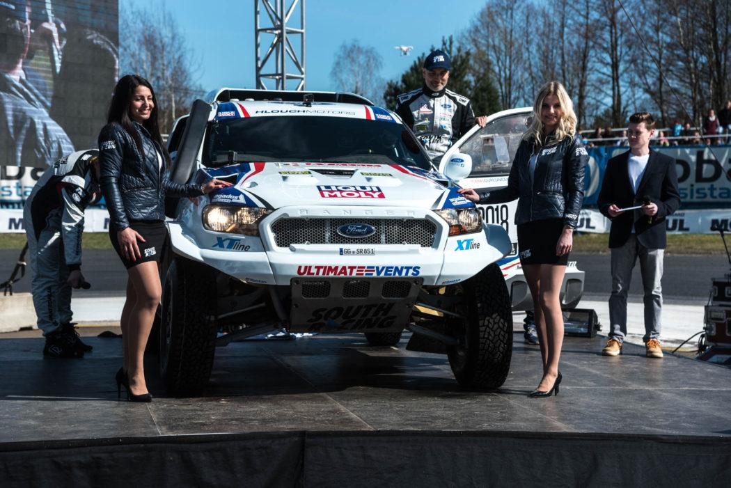 Závodní stáj South Racing vstoupila do České republiky velkolepě. Tomáš Ouředníček a Petr Hozák pojedou Dakar 2018