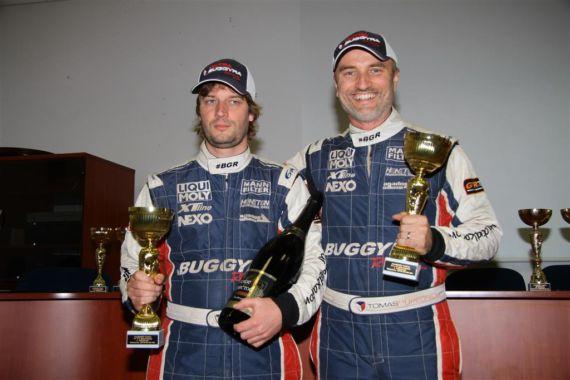 Vítězství v kategorii pro tým Buggyra Ultimate Dakar