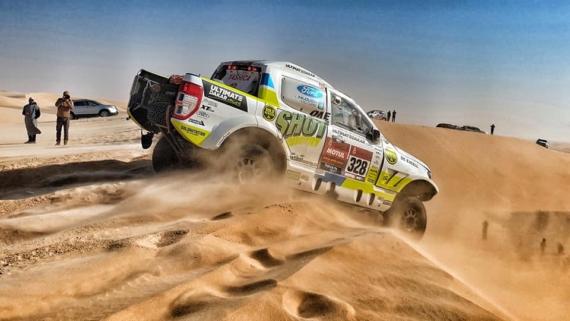 Obrázek galerie Desátá etapa Rallye Dakar: Zatracený tisícihran a ruční práce s Leathermanem v poušti pokazily výsledek