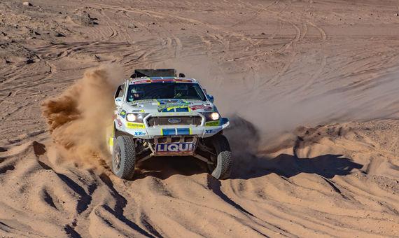 Ford Tomáše Ouředníčka při druhé etapě málem shořel
