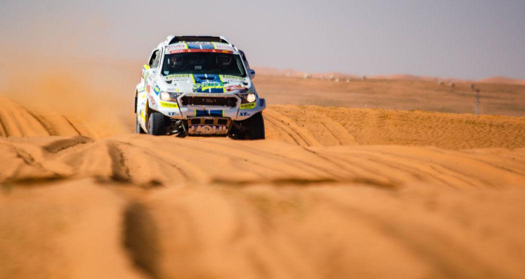 Ford posádky Ouředníček – Křípal převálcoval kamion, čeští závodníci ale chtějí pokračovat dál